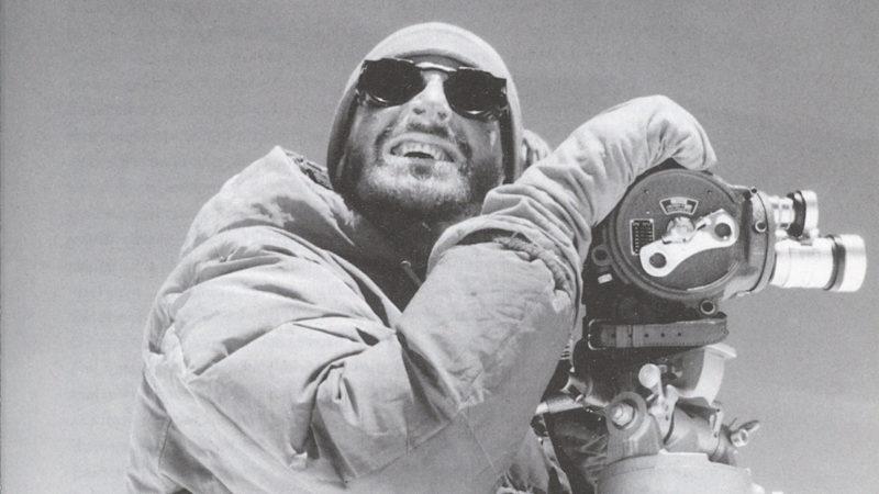 """Norman Dyhrenfurth bei Dreharbeiten für den Expeditionsfilm """"Dhaulagiri"""" 1960"""